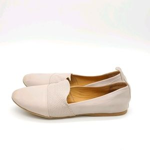 Bueno Leather Flats